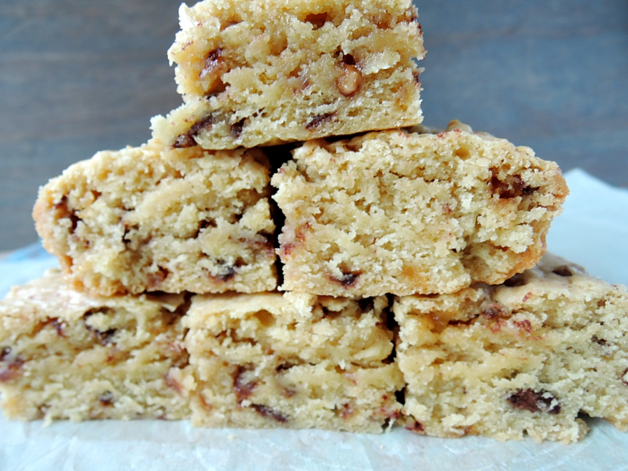 Heath Bar Blondies {last minute Super Bowl treat}