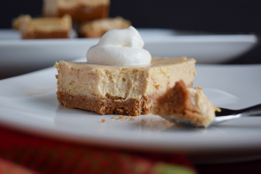 Easy Pumpkin Cheesecake Bars