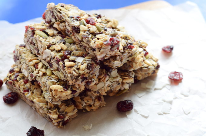 Chewy Cranberry Coconut Granola Bars