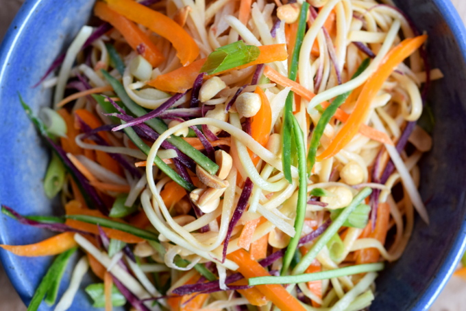 Easy cold peanut noodles with vegetables