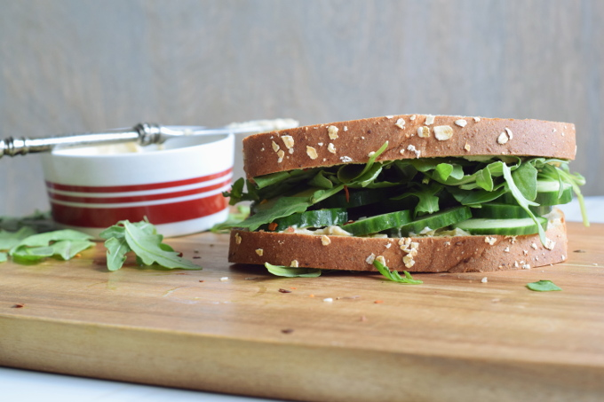 5 minute hummus and cucumber lunch sandwich